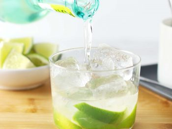How to make a caipirinha.