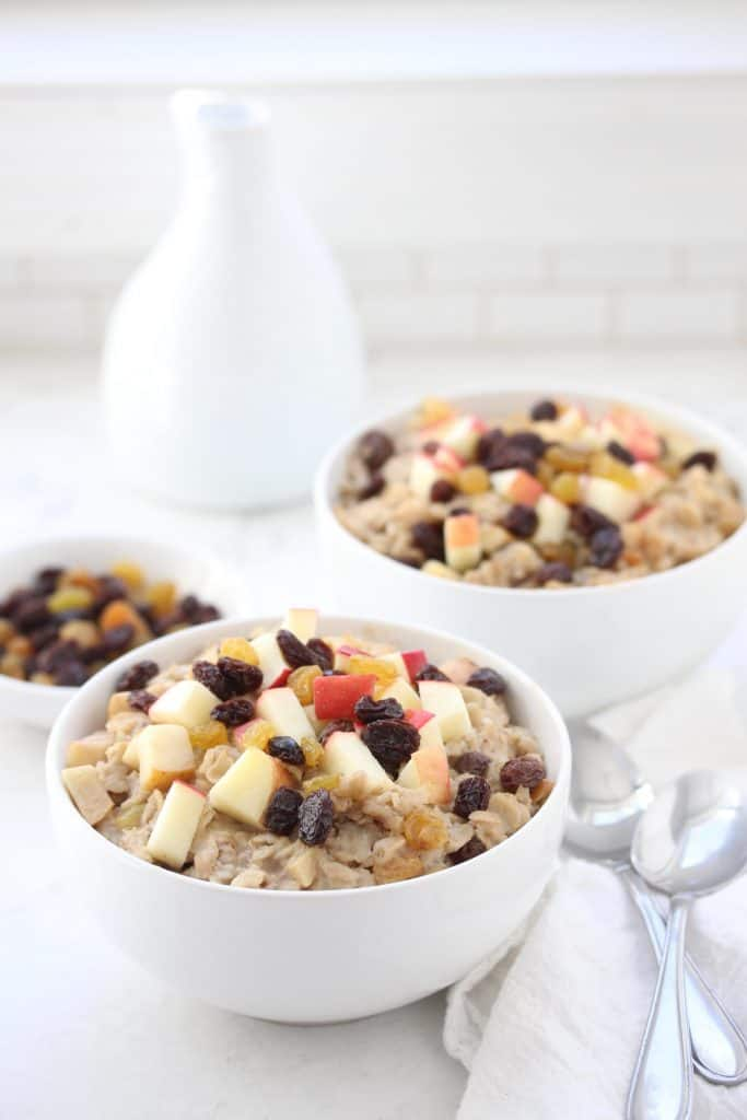 Make-Ahead Apple Raisin Oatmeal